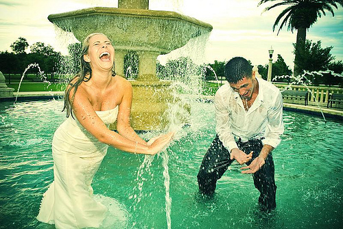 Fountain-Trash-the-Dress